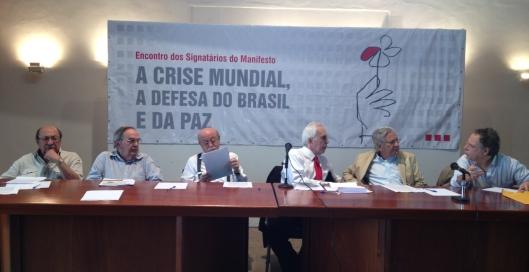 A Mesa, da esquerda para a direita: Ubirajara Brito, Renato Guimarães, Roberto Amaral, Samuel Pinheiro Guimarães, Luiz Pinguelli Rosa, Epitácio Brunet.